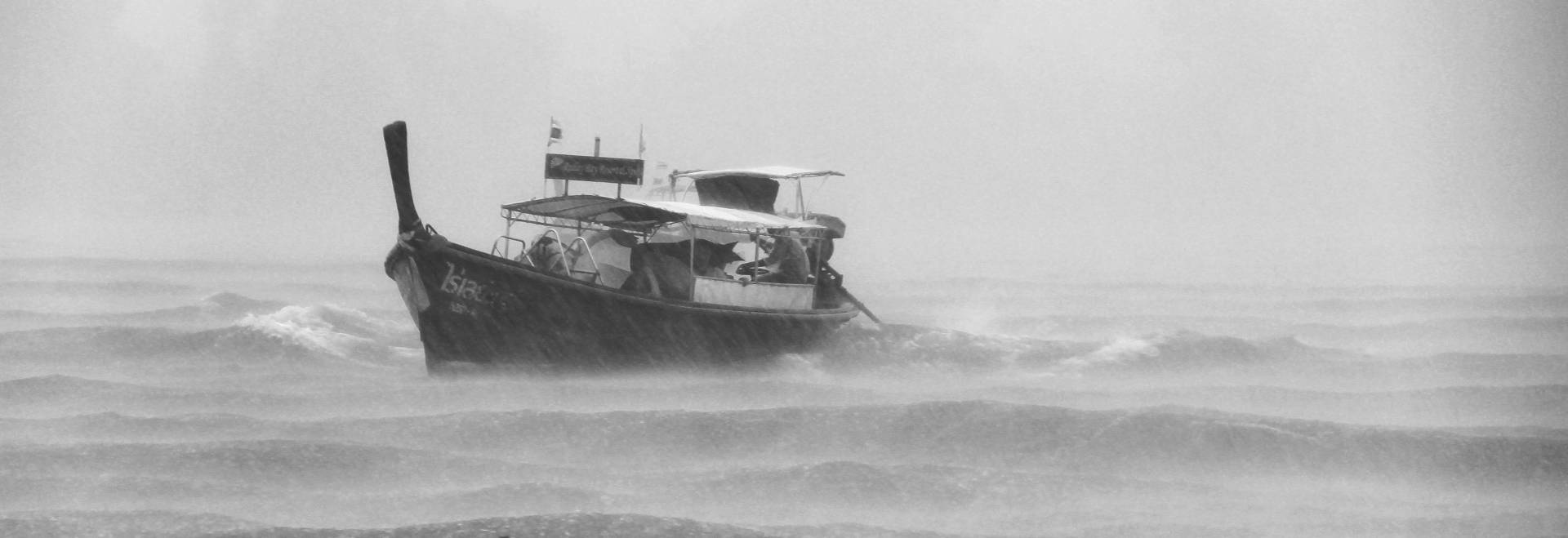 Infographic – 5 Tips For Avoiding Boat Accidents In Bad Weather